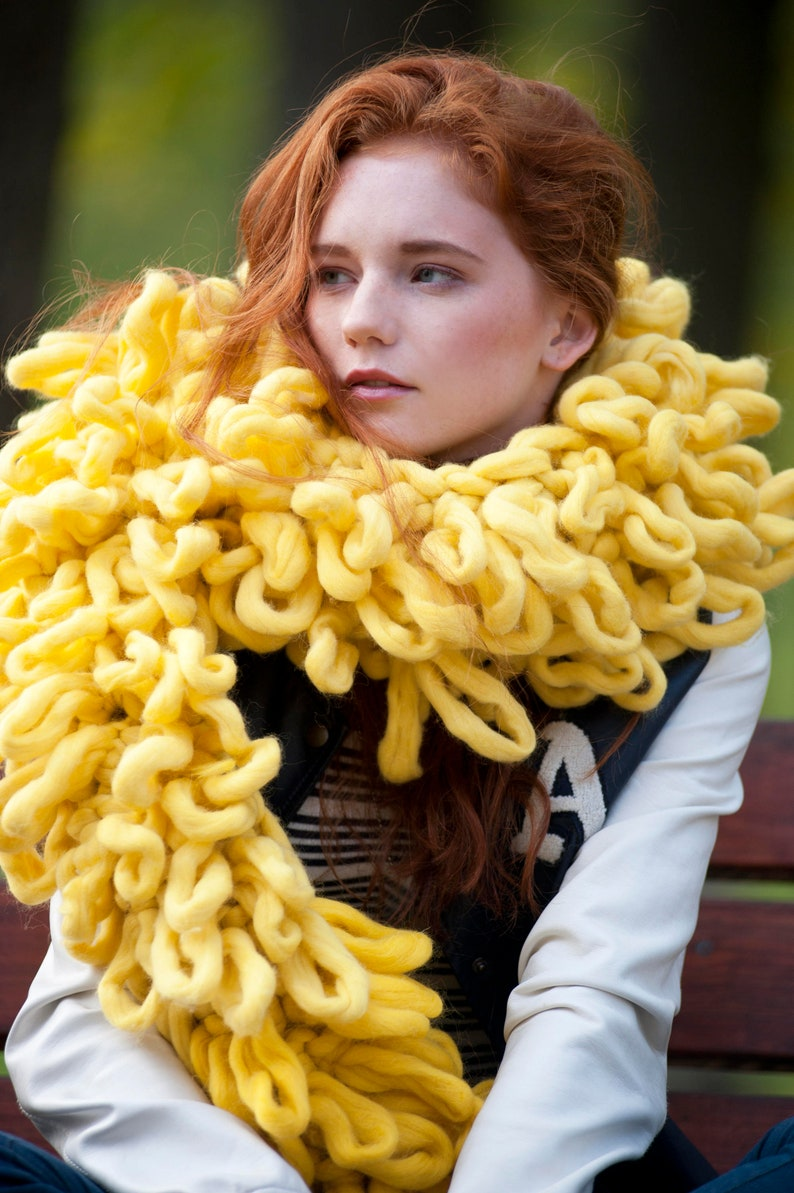 Chunky knit  shaggy scarf. Extreme knitting  chunky scarf. image 0
