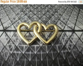 ON SALE Vintage Bright Gold Tone 1960s Double Heart Metal Pin 82917