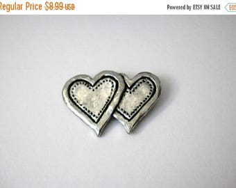 ON SALE Vintage 1950s Antiqued Silver Double Heart Hammered Metal Pin 82917