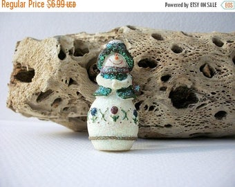 ON SALE Vintage Thicker Glitter Resin Snowman Pin 8616