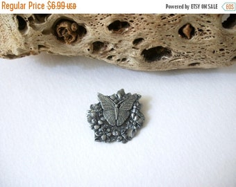 ON SALE Vintage Birds & Blooms 1998 Limited Edition Pin 82116