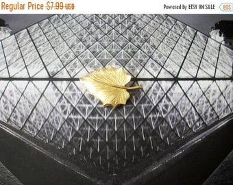 ON SALE Vintage Gold Tone Engraved Metal Leaf Pin 102016