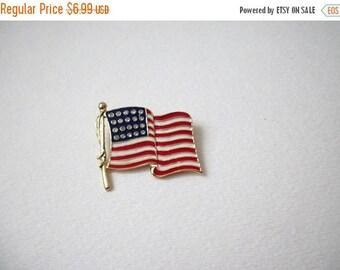 ON SALE Vintage Gold Tone Enameled Patriotic Pin 51716