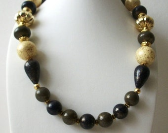 ON SALE Vintage 1970s Chunky Earthy Gold  BOHO Marbleized Necklace 81916