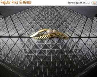 ON SALE Vintage Gold Tone Textured Longer Faux Pearls Metal Pin 72416