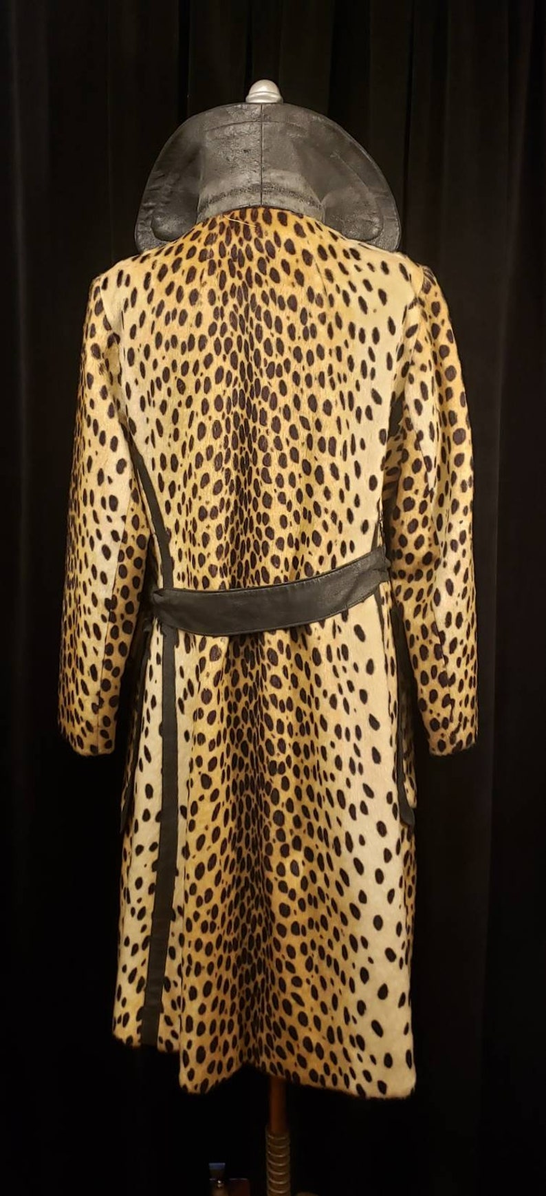 Women/'s ~ Faux ~ Leopard ~ Coat ~ 1960/'s ~ 1970/'s ~ See Colors in Photo/'s ~ Wonderful Cold Weather Coat ~ Overcoat ~ WOW!!!