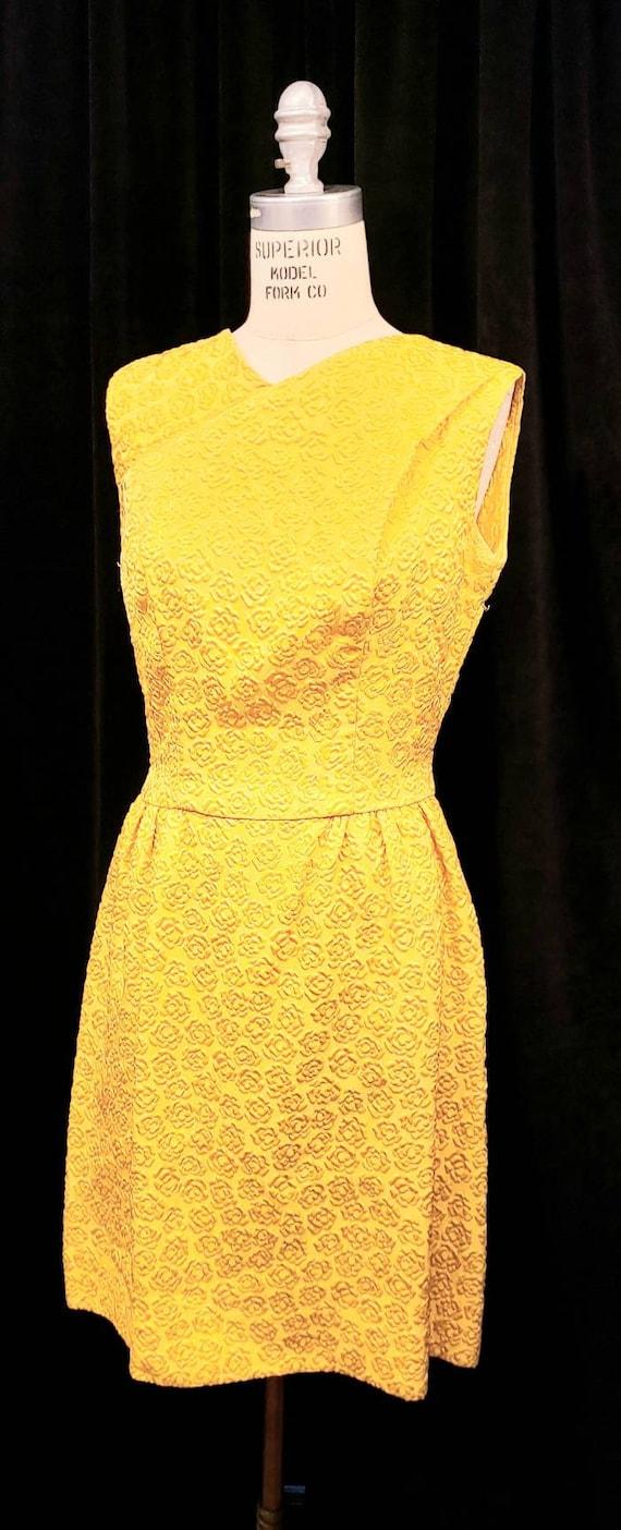 Vintage ~ Womens ~ Gold ~ Embossed ~ Dress & Coat… - image 9