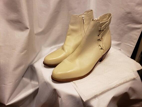 Vintage ~ 1980's ~ 1990's ~  ~ Leather ~ Saturday