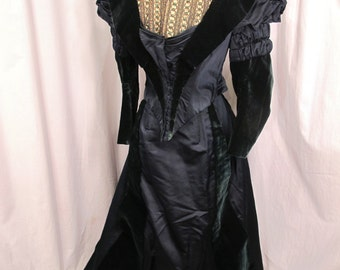 Vintage Green Velvet and Silk Victorian Suit~Amazing!~2 Pieces Museum Quality
