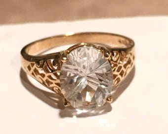 Vintage SOLID GOLD White Topaz Ring SOUL Healing Divine Light Positive Energy Good Fortune 10K 10KT Solitaire Gemstone Openwork Size 8.25