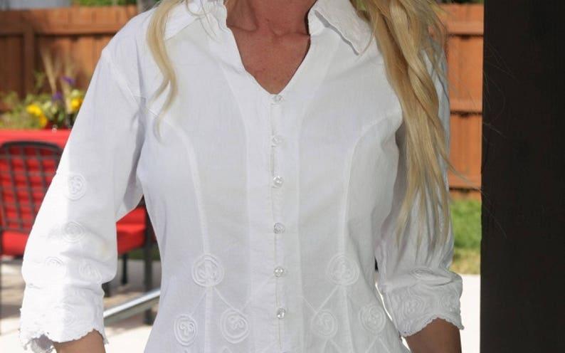 AUKA Organic Cotton Embroidery Ball Pattern  Wave Edges Blouse