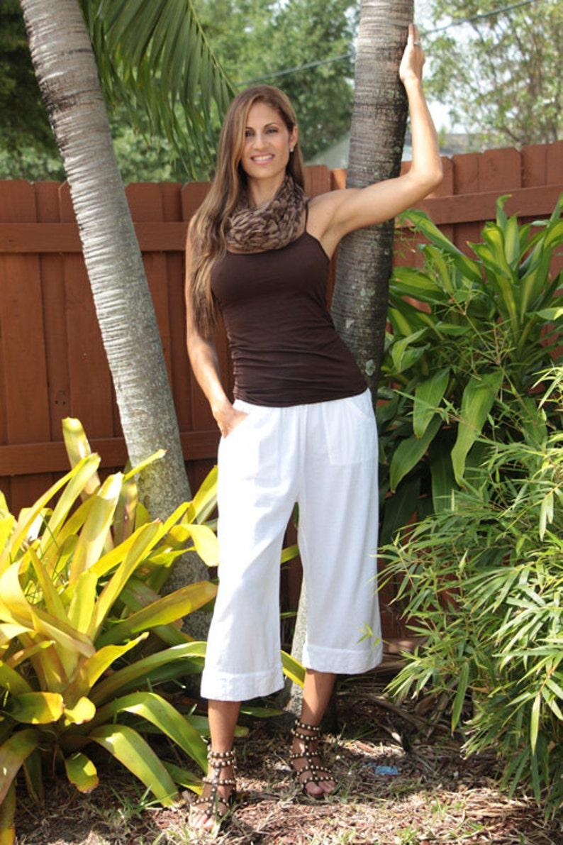 SASSY Organic Cotton Embroidered Lace  Capri Pants