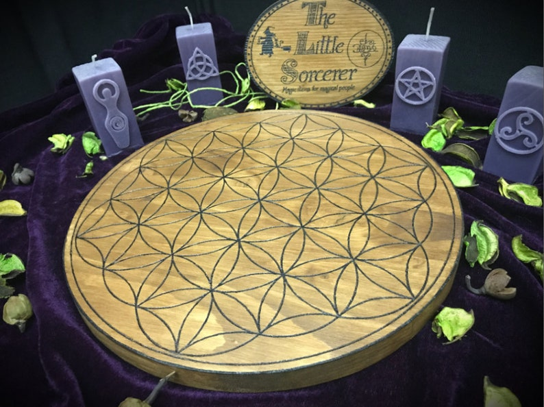 Crystal Grid engraved on fir wood and hand painted - wicca wiccan witch  magic witchcraft wood pyrography pagan symbolism paganism crystal