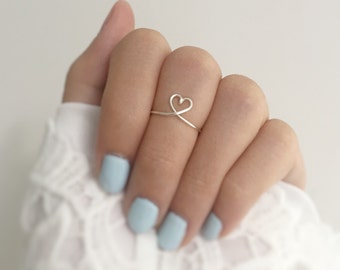Heart Knuckle Ring,Silver Heart Ring,For her, Simple Everyday, Bridesmaid Jewelry, Unique ring, Little Ring, Dainty, Chic, Modern Minimalist