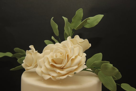 Gumpaste ruscus leaves.. Wedding cake fillers and decorations beautiful flower