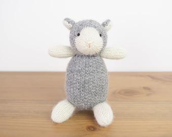 Little sheep - knit newborn toys, newborn photo prop, baby photo prop, newborn photography prop, baby knitted toy, newborn baby shower gift