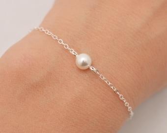 Single Tiny Pearl Bracelet, Sterling Silver Floating Pearl Minimalist Bridesmaid Bracelet 0319