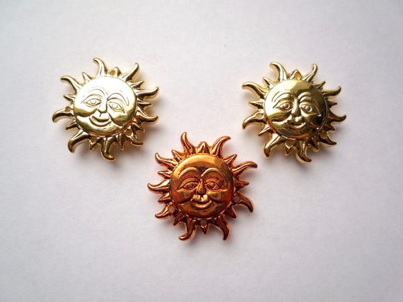10 Silver Tone Sun Face Charms Pendants Crafts Jewellery