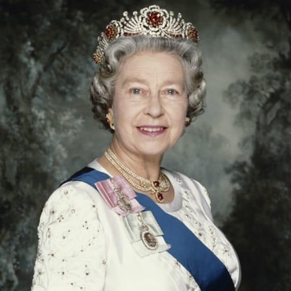 תוצאת תמונה עבור queen elizabeth poster
