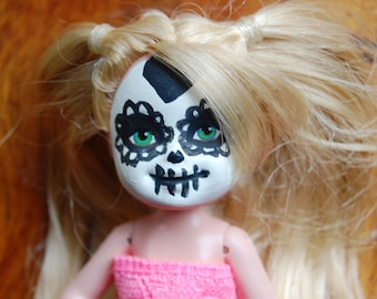 Set of Four Various Ethnicity Dia De Los Muertos Halloween Hand Painted Sugar Skull Dolls 4''-6'' In Height OOAK Free Shipping Within US
