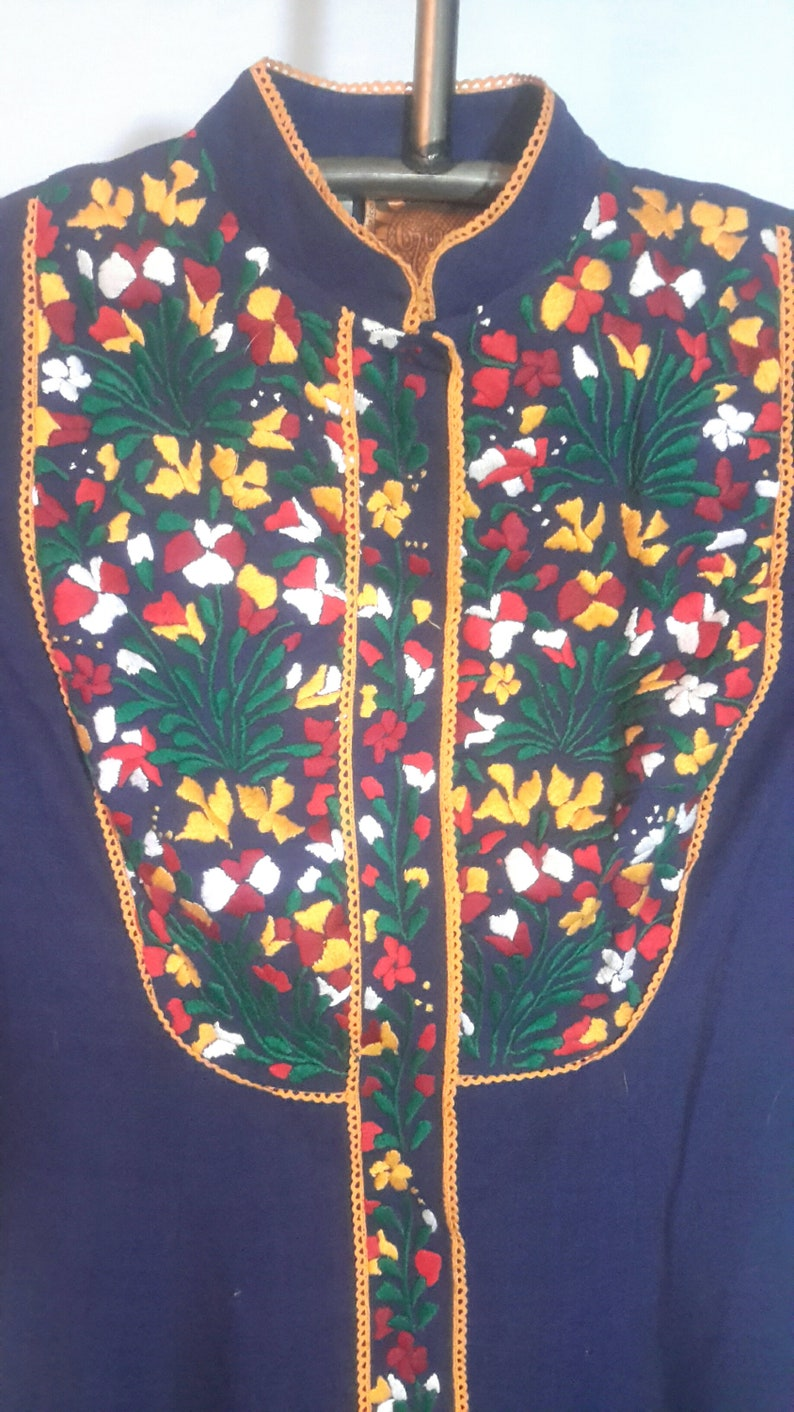 size small excellent condition floor length embellished dress with embroideried bodice and sleeves Vintage boho Girasol long sleeved