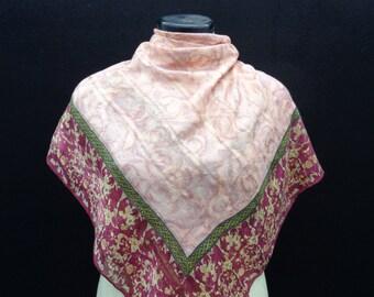 221c90115215 Authentique Jean Louis Scherrer Paris foulard en soie 40