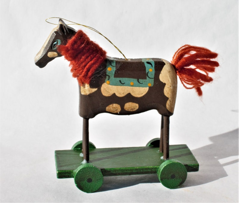 4 Horses on Cart Platform Vintage Horse Wood Ornament Horse Lover Gift Ideas Holiday Christmas Hand-painted Wooden Animal with Red Yarn