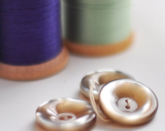 Mother of Pearl Essence Buttons, Set of 3