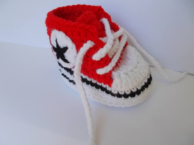 6e7c55518b21 Crochet Converse All Star Crochet Baby Shoes all star baby