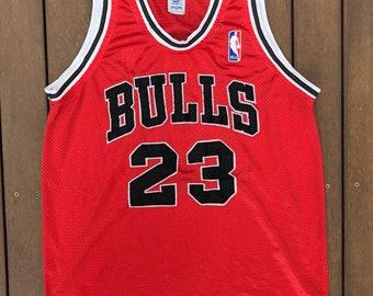 2f23b1af1 Vintage 90 s Spaulding NBA Chicago Bulls Medium Basketball Michael Jordan  23 Jersey Retro Bball Hip Hop NBA Bulls Streetwear Summer Festival