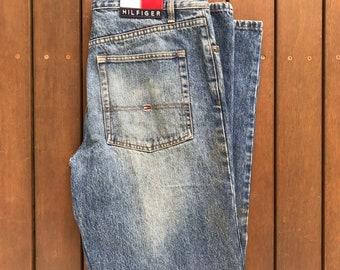 Vintage 90 s Tommy Hilfiger Jeans USA Unisex 33W 33L Denim Jeans Retro Hip  Hop Tommy Hilfiger Streetwear Festival Denim Boyfriend Mom Jeans 2ab52282e3d0