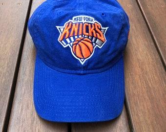 Vintage NBA New York Knicks New Era Adjustable Strap Back Cap Retro Hip Hop  Sportswear American Basketball Streetwear Summer Bball Cap Hat 2daa11da4a3b