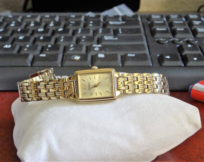 Retro Seiko Gold Tone Water Res Quartz Ladies Watch w/ 10mm Gold Tone Band!