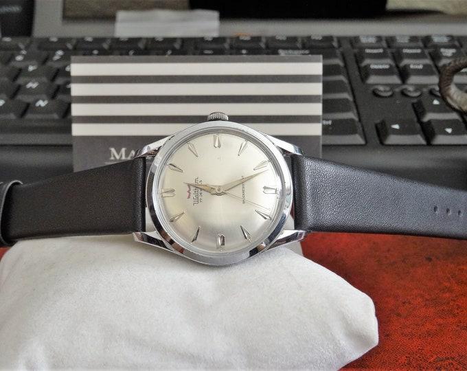 Vtg 1960s Waltham Waterproof 17-Jewels Swiss Men's Watch w/ 18mm Leather Band!