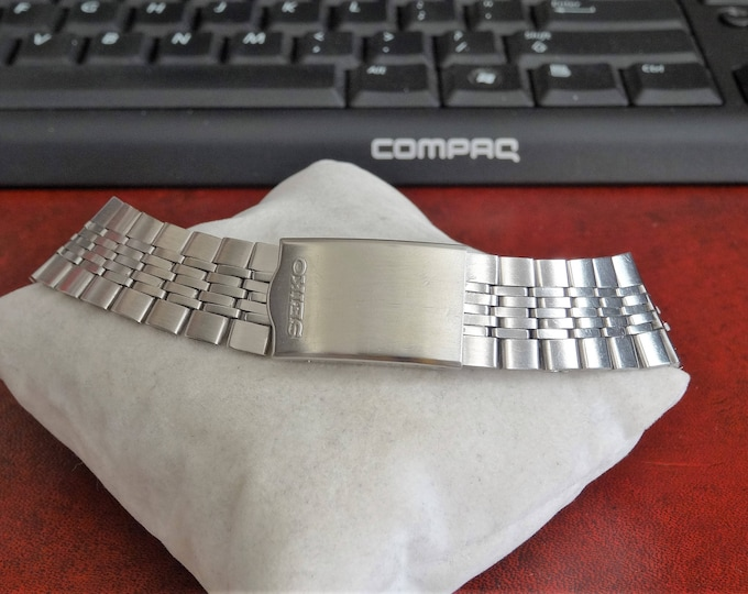 Vintage Seiko Stainless Steel 22mm - 16mm Wristwatch Band!
