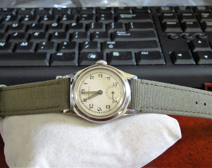 Vtg 1940s Rare Invicta Military 15-Jewels Swiss Mens Watch w/ 17mm Canvas Band!