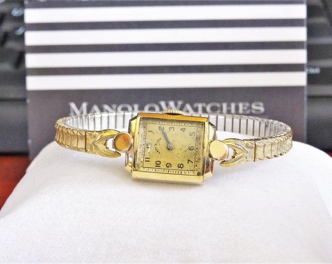 Vintage Lady Elgin 14K Gold Filled Hand Winding Ladies Watch w/ Gold Tone Band!