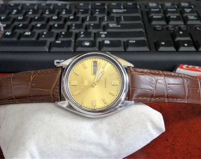 Retro 1992 Seiko 5 Automatic Water Resistant Mens Watch w/ 19mm Leather Band!