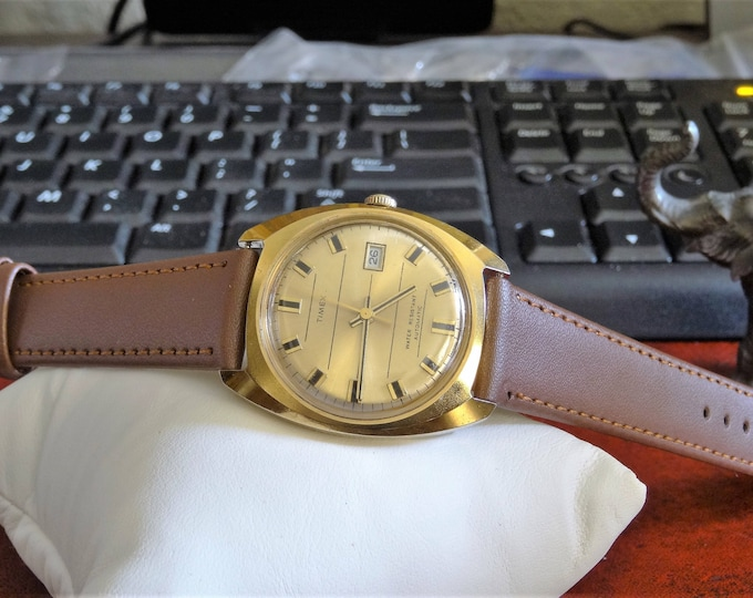 Vtg 1973 Timex Gold Tone Automatic Water Res Mens Watch w/ 18mm Genuine Leather Band