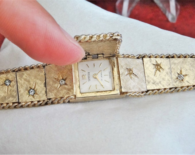 Vtg Taylor Gold Tone Hand Winding 17-Jewels Swiss Ladies Watch w/ 14mm Band!