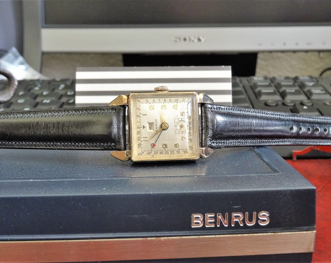 Vtg Benrus 10K Gold Filled Winding Mens Watch w/ Benrus Case & 16mm Leather Band