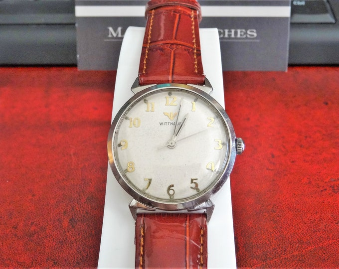 Vintage Wittnauer Hand Winding Engraved Men's Watch w/ 18mm Genuine Leather Band