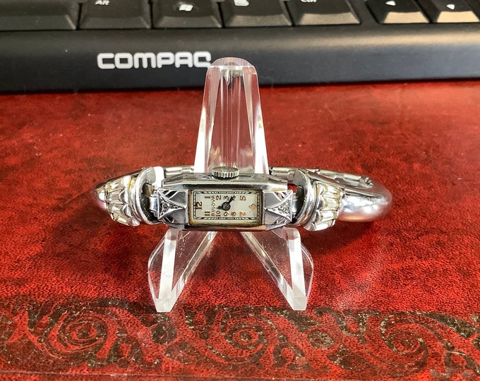 Vintage Art-Deco Bulova Diamond (GF,SC,SS) Hand Winding Ladies Watch with 12K Gold Filled Top and Stainless Steel Bottom Stretch Bracelet!