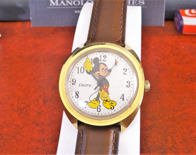 Vintage 1971 Timex Electric Walt Disney Mickey Mouse Men's Watch w/ 18mm Leather Band