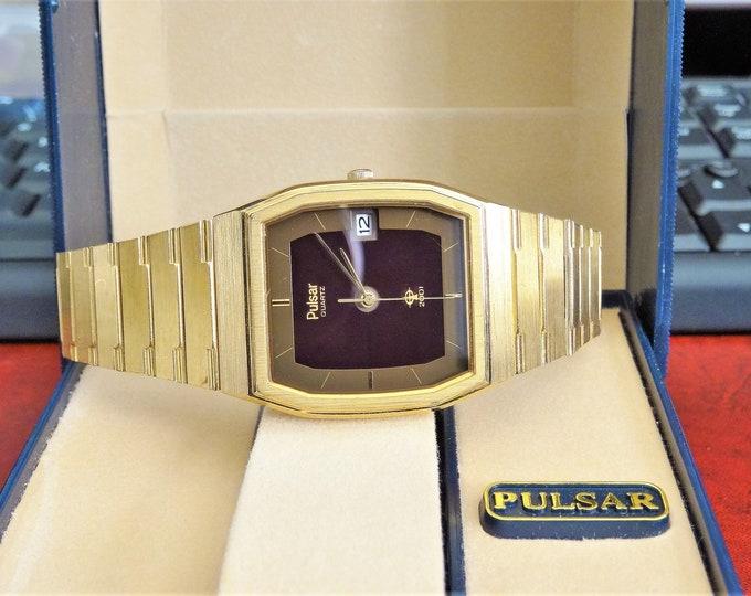 Vintage Pulsar 2001 Solar Gold Tone Men's Watch w/ 22mm Band & Pulsar Case!