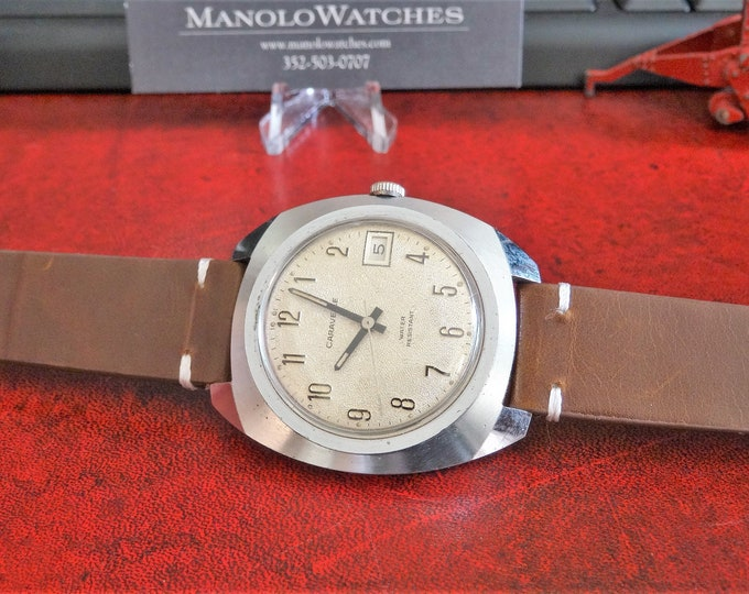 Vtg 1974 Caravelle Hand Winding Water Resistant Men's Watch w/ 18mm Leather Band