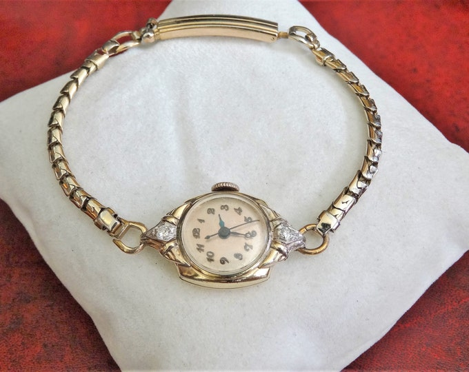 Vtg 1940's Gruen 10K G.F. 17-J Engraved 2 Diamonds Swiss Ladies Watch w/ Band