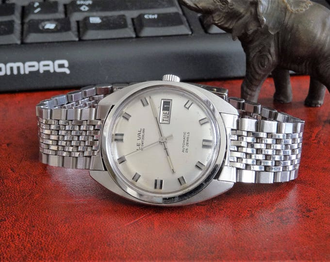 Vintage Rare Le Val Automatic 25-Jewels Swiss Mens Watch w/ 19mm St. Steel Band!
