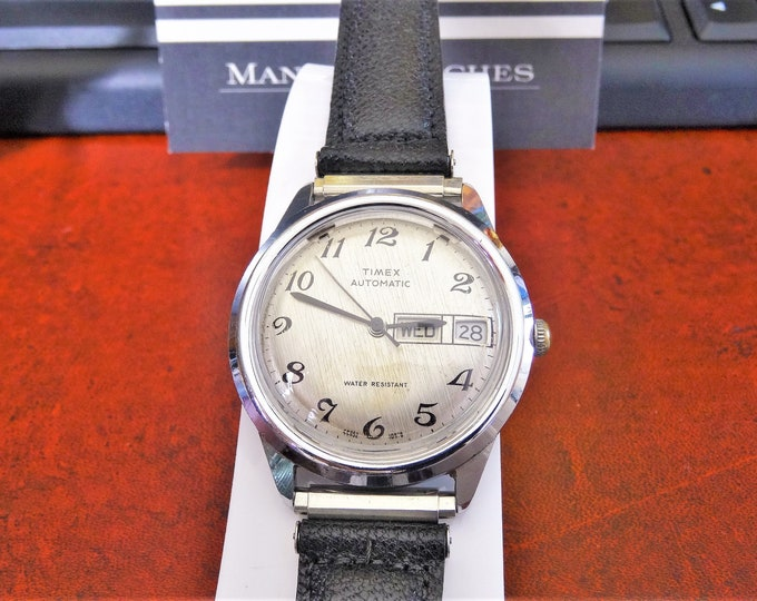 Vintage 1978 Timex Automatic Water Resistant Day & Date Men's Watch w/ 18mm Genuine Leather Band!