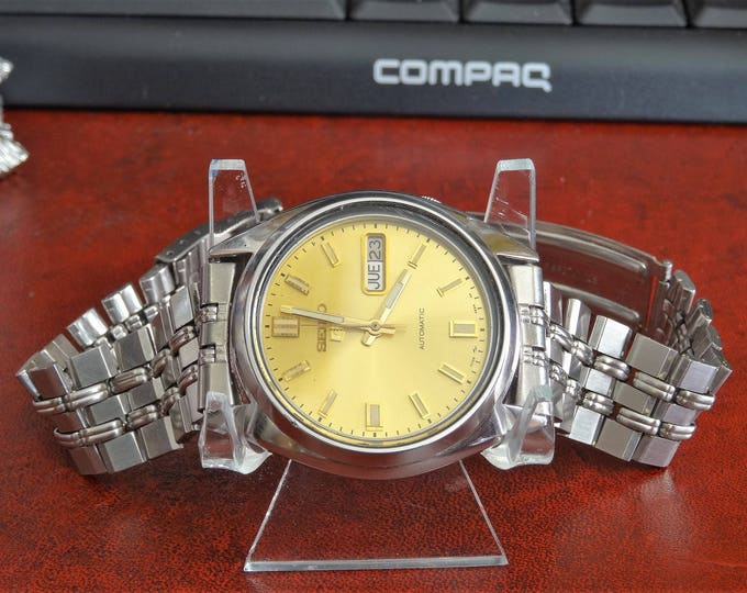 Retro 1992 Seiko 5 Automatic Water Resistant Mens Watch w/ 19mm St. Steel Band!